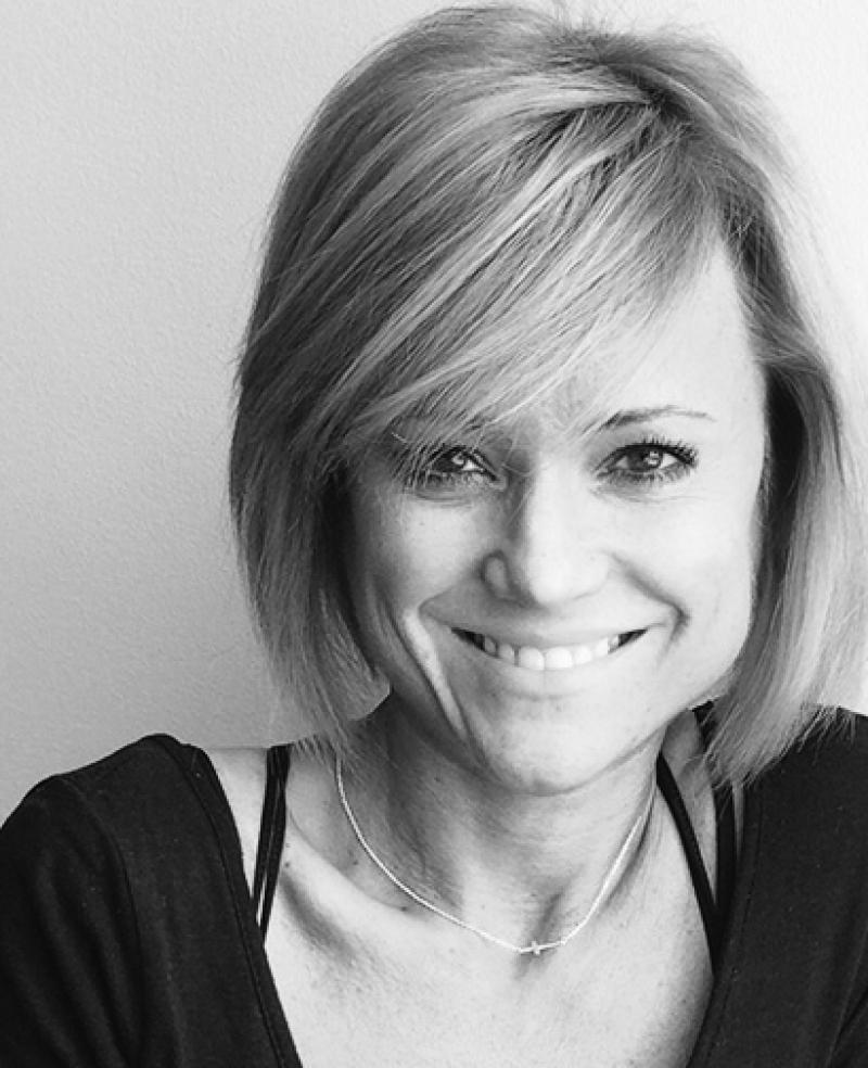 Jennifer Deaton Bauer Stylist
